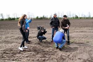 2017-04-15 IMG 9036 opname RTV Drenthe hoogtemeting Paasbult Den Hool